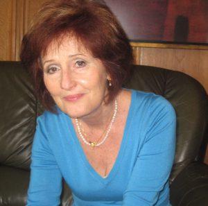 Dr. vészi zsuzsanna, szülők háza magazin
