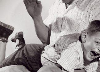 Szülők Háza Magazin, pofon, verés, pofonofon