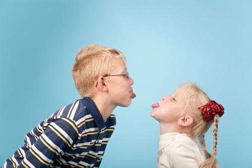 testvérféltékenység, Szülők Háza Magazin, testvér