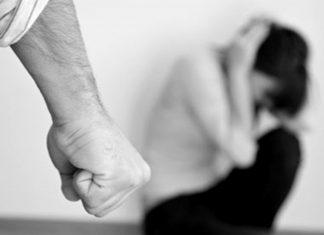 Családi bántalmazás, szülők háza magazin